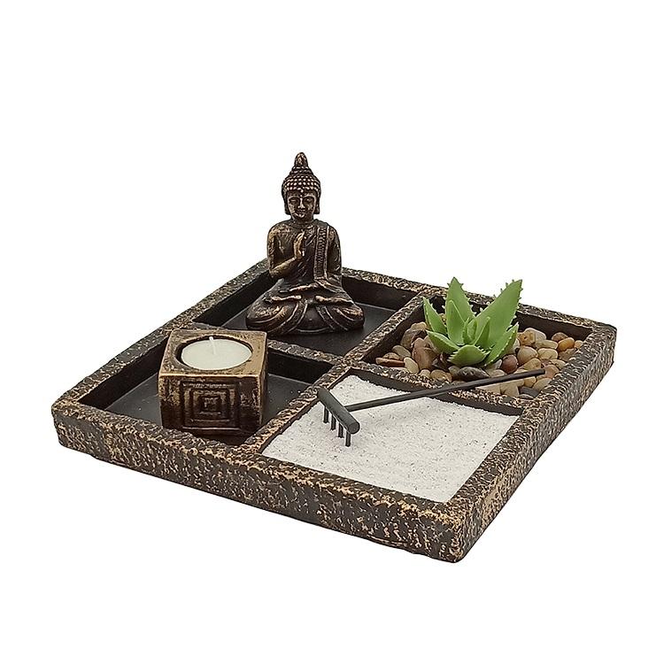 小泰国佛像艺术佛像与烛台禅宗花园